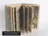 Kruppelheim Rozkładany album zwierający 24 pocztówki przedstawiające głównie wnętrza